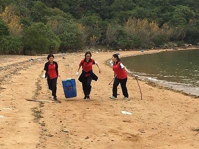 參觀海下灣參與清潔沙灘活動